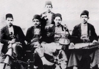 The music form of «Sarki» from Instanbul in pre-war rebetiko